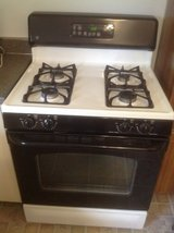 GE Self Cleaning gas oven/range in Naperville, Illinois