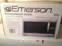Emerson Professional Series Microwave in Naperville, Illinois