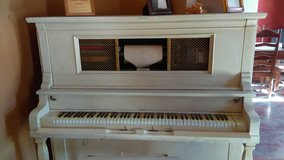 antique player piano in Alamogordo, New Mexico