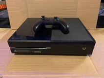 Xbox One 500gb Console w/ 1 game, 1 Controller & power supply in Cleveland, Texas
