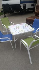 child table 4 chairs in Fairfield, California