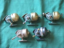 Lot of 5 Shakespeare Wondercast fishing reels in Westmont, Illinois
