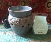 Scentsy Candle Warmer and Wax Bars in Fort Leonard Wood, Missouri
