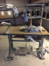 Sewing machine 5 thread serger in Orland Park, Illinois