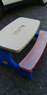 little tikes picnic table in Glendale Heights, Illinois