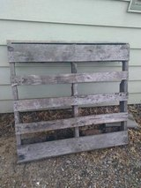 2 Pallets in St. Charles, Illinois