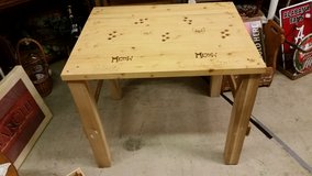 Pine table in Clarksville, Tennessee