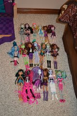 Monster High Doll set large lot accessories in Fort Knox, Kentucky