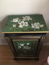 Green floral cabinet in Tinley Park, Illinois