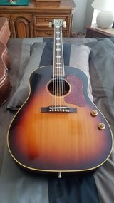 Vintage Guitar Original 1957 Gibson J-160E Sunburst w-hardshell case in Houston, Texas