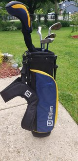 Golf set wilson in Yorkville, Illinois