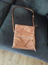 Brown crossover purse in great condition in Yorkville, Illinois