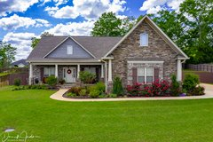 Gorgeous Craftsman Style 4BED/3BATHS, SALT WATER POOL, OUTDOOR KITCHEN Home in the Legends in Fort Rucker, Alabama
