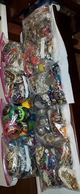 COSTUME JEWELRY  50 POUNDS in Plainfield, Illinois