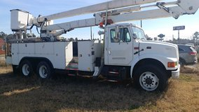 International bucket truck in Conroe, Texas