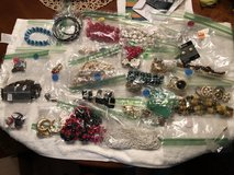 Over 25 pieces of jewelry in Glendale Heights, Illinois