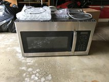GE over a range Microwave Oven in Westmont, Illinois