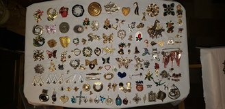 BROCHES AND PINS COLLECTION in Plainfield, Illinois