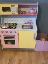 Play kitchen kidkraft and lots of play food in Lockport, Illinois