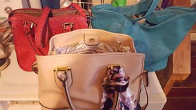 3 purses in Leesville, Louisiana