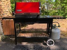 Weber Propane Gas Grill. in Westmont, Illinois