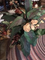 Artificial flowers 4 feet tall in Alamogordo, New Mexico