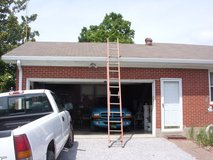 20' fiberglass ladder - rated 300 lbs. in Fort Knox, Kentucky