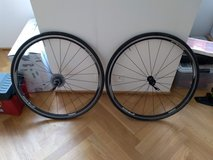 700c Shimano RS10 Wheel Set with Vittoria Winter Tires and 10 Speed 105 in Wiesbaden, GE