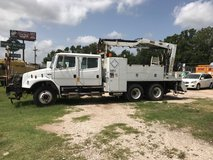 2004 freightliner in Cleveland, Texas