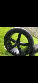 Size 22 rims.  5 bolts in Glendale Heights, Illinois