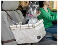 Dog booster seat for car in Naperville, Illinois