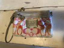 Coach clutch/wristlet in St. Charles, Illinois