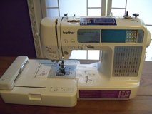 Brother Embroidery and Sewing machine  SE-400 with cabinet in Conroe, Texas