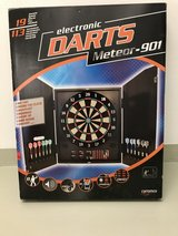 Dart Board, electronic, with extra darts, European voltage to DC input, very good condition in Wiesbaden, GE
