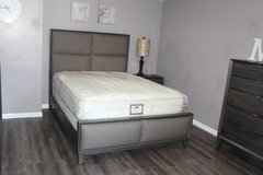 Modern Bedroom Set - Queen Size - The Alicia Collection in Kingwood, Texas