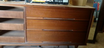 Vintage dresser w/ mirror and chest of drawers in Alamogordo, New Mexico