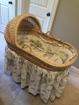 Bassinet in Bartlett, Illinois