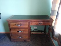 Antique Desk in great shape in St. Charles, Illinois