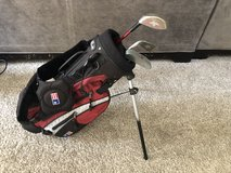 Kids golf club set and bag in Westmont, Illinois