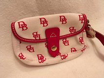 dooney and bourke wristlet in Wiesbaden, GE
