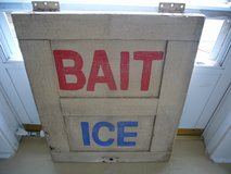VINTAGE BAIT AND ICE WOODEN SIGN in Camp Lejeune, North Carolina