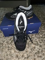 Mizuno Volleyball Shoes Size 8 in Okinawa, Japan