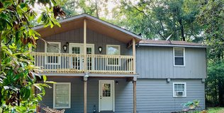 Lease in Huffman Multi family {Upstairs Unit} in Houston, Texas