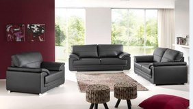 United Furniture - Vitto Sofa + Loveseat + Chair in Solid or Two-Tone including delivery in Wiesbaden, GE