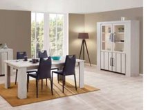 United Furniture - Gilles Dining Set including Delivery in Wiesbaden, GE
