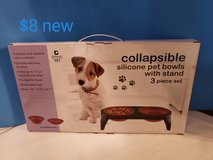 Collapsible silicone pet bowls pet stand in Travis AFB, California