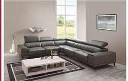 United Furniture - Freiburg Sectional - Leather - including delivery in Antraciet and Cognac in Wiesbaden, GE