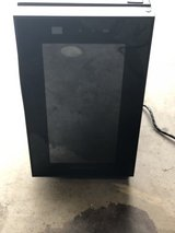 Frigidaire Thermoelectric 8 Bottle Wine Cooler Black in Houston, Texas