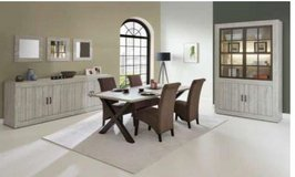 United Furniture - Antonia Dining - ---- China + Table + 4 Chairs including delivery in Wiesbaden, GE