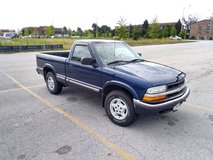 2000 Chevy S-10 LS 4x4 Automatic - Vortec 4.3 V6 - $1300 in Lockport, Illinois